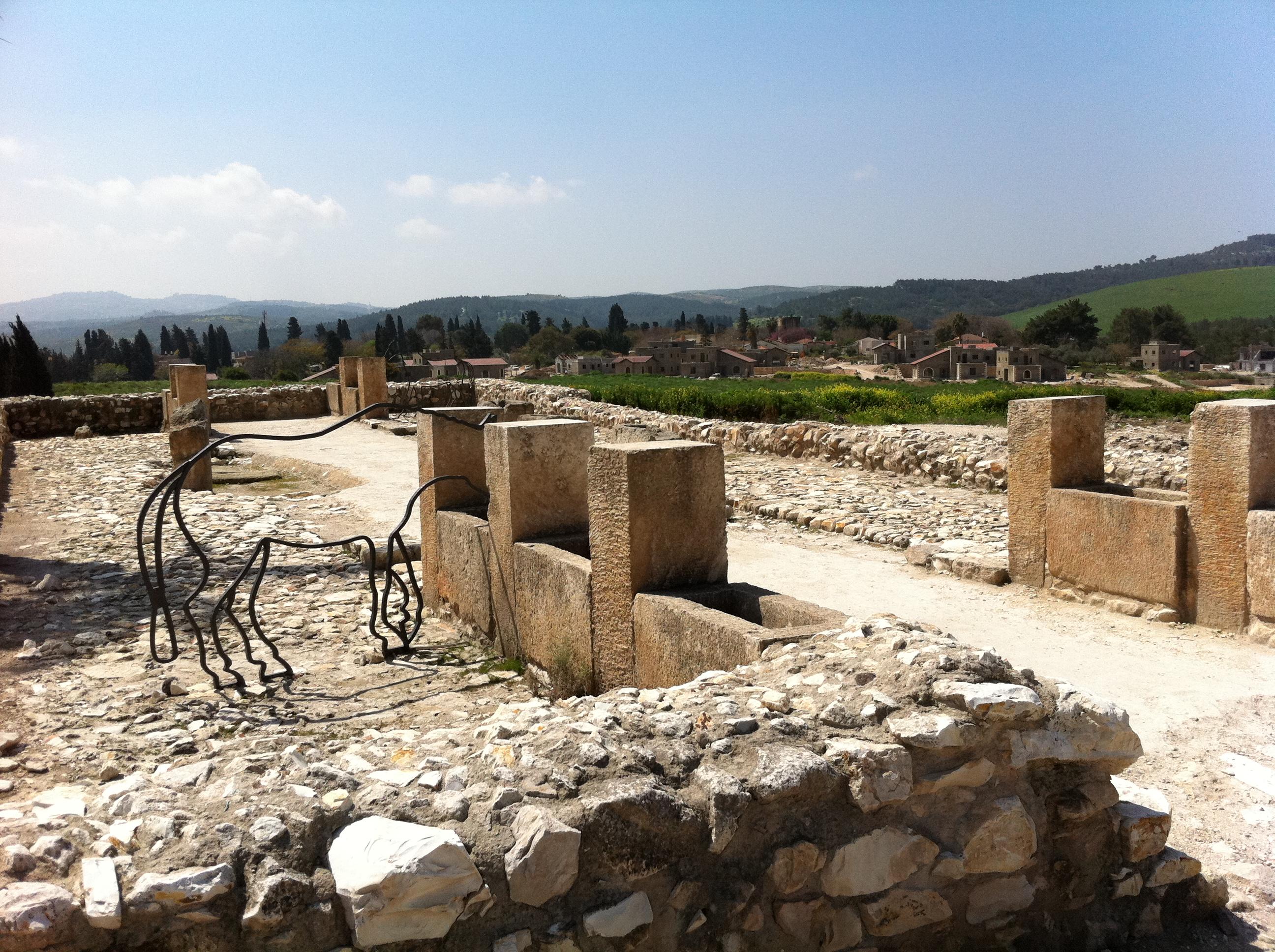 Tel Megiddo solomon horse, israel에 대한 이미지 검색결과